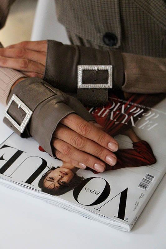estilo-moda-tendencias-guantes-mitones-detalles-Audrey-accesorios-Armèlle-Spain