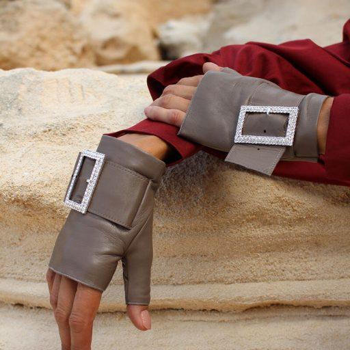mitones-guantes-hebilla-piedras-strass-Audrey-taupe-Armèlle-Spain-2