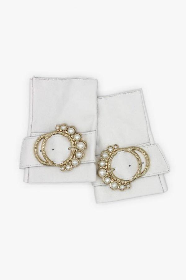 Guantes-extravagantes-piel-perla-blanco-hebilla-perlas-Armèlle-Spain-2