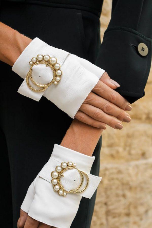 Guantes-piel-perla-blanco-lujo-hebilla-perlas-Armèlle-Spain-3