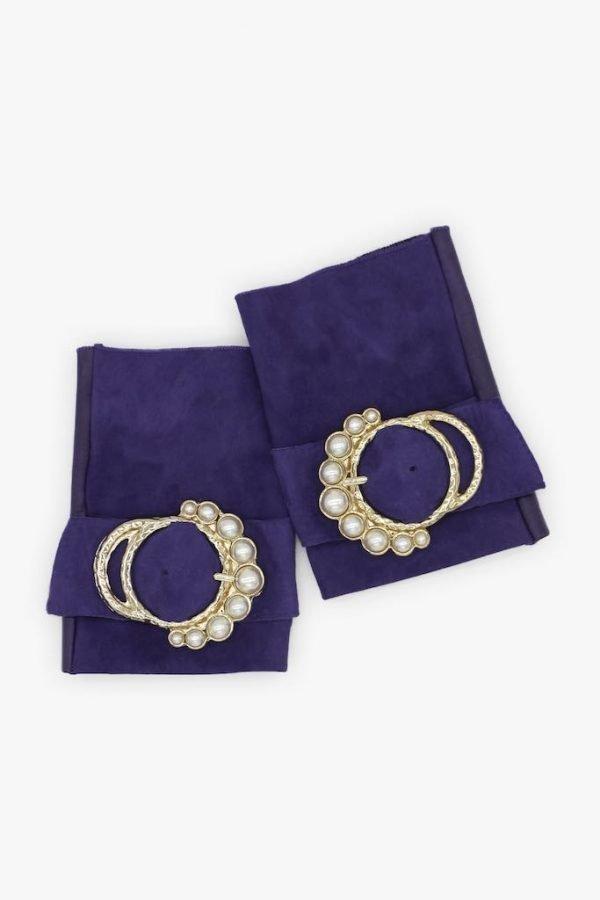 mitones-elegantes-cuero-perla-violeta-hebilla-perlas-Armèlle-Spain-3