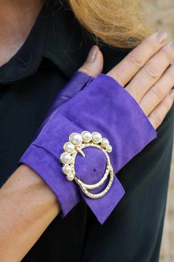 mitones-lujo-cuero-perla-violeta-hebilla-perlas-Armèlle-Spain-5